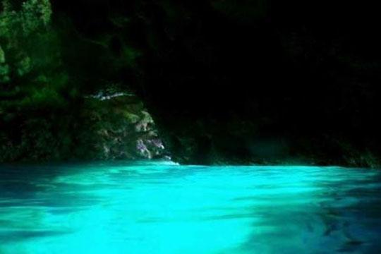 青の洞窟スノーケリング