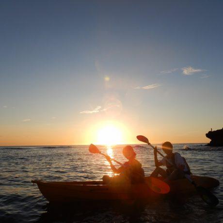 夕日とカヤック