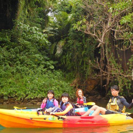 沖縄で家族カヤック